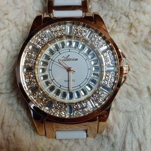 Brand new ladies quartz watch.